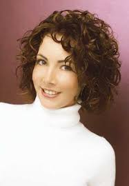 natural curly hairstyles ideas to look special curly short