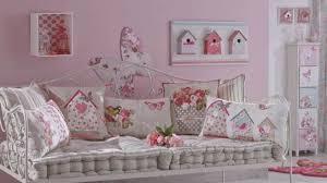 decoration chambre de fille tendance kokeshi