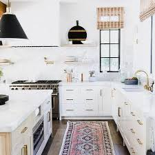 white kitchen cabinets with black drawer pulls white cabinets with black pulls design ideas