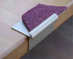 teppich treppe treppe mit teppich belegen teppich verlegen anleitung