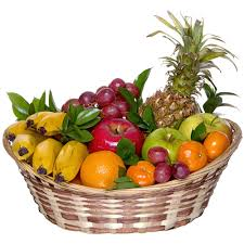 fruit basket gifts buy a gift of flowers fresh fruit basket in moscow russian