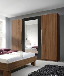 Design Spiegel Schlafzimmer Kleiderschrank Schrank 4 Türig Mit Spiegel 228cm Kernnussrot