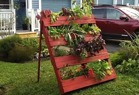 Diy Vertical Pallet Garden - diy pallet vertical garden projects pallet wood projects