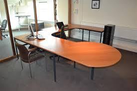 u bureau u vormige bureau opstelling ladekast bureaustoel gastenstoel