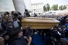 Bud Spencer Bad Abschied Von Bud Spencer Terence Hill Unter Trauergästen