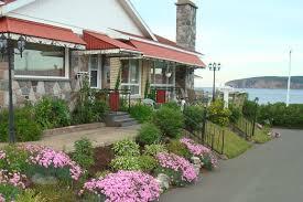 Rock Garden Bellevue by Motel Bellevue La Route Du Rocher Percé