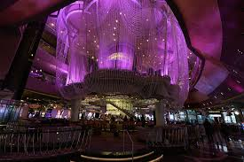 The Chandelier The Chandelier Bar At The Cosmopolitan Hotel In Las Vegas Review