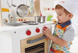 jeux imitation cuisine hape cuisine du chef en bois cavernedesjouets com