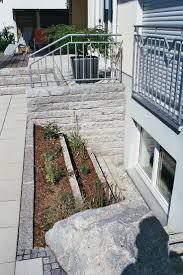 Gartengestaltung Terrasse Hang Die Besten 20 Lichtschacht Ideen Auf Pinterest Kellerfenster