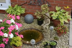 Easy Diy Garden Decorations Garden Decorating Ideas Interior Design