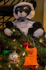 delaware hospice festival of trees holds baywood greens event
