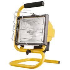 hdx portable halogen work light globe electric 500w portable halogen yellow work light 6050401 the