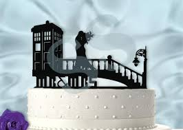 tardis wedding cake topper mr and mrs windy day at the tardis dr who inspired wedding cake