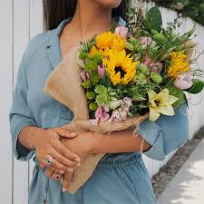 monthly flower delivery start a flower subscription the bouqs co
