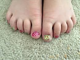 cute toenail colors how you can do it at home pictures designs