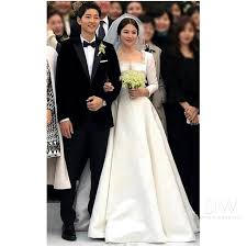 wedding dress song reveals the of song hye kyo s stunning wedding dress
