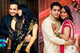 Reception Sarees For Indian Weddings Must Have Couple Poses For An Indian Wedding Album
