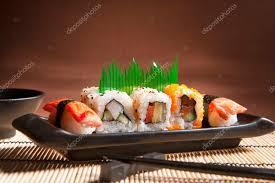 cuisine japonaise traditionnelle sushi cuisine japonaise traditionnelle closeup sushi japonais sur