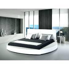 canapé lit rond lit rond canape lit rond design en cuir 180 200 cm blanc