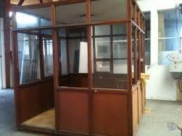 bureau d atelier bureau d atelier en bois avec 4 façades en verre occasion