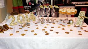 New Year Decorations 2014 by Choosing Happy New Years Eve 2014