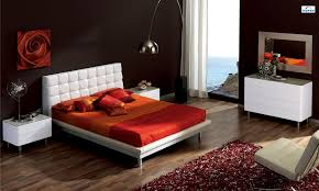 Red And White Modern Bedroom Red And Brown Bedroom Thomasmoorehomes Com