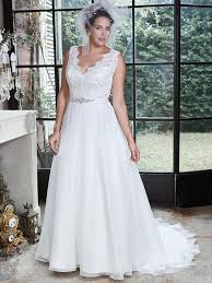 wedding dresses brides flattering wedding dresses for curvy brides maggie