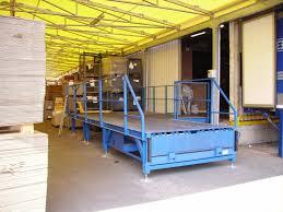 pedana di carico re di carico per facilitare le operazioni di carico e scarico merci