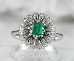 deco emerald flower ring