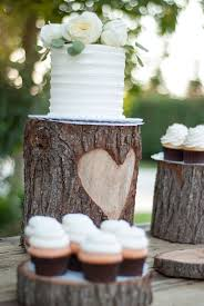 diy woodsy country glam heart stump wedding cake stand vintage