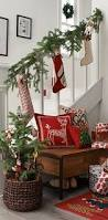 Christmas Banister Garland Ideas 20 Ideas To Decorate Your Stairs U0026 Entry For Christmas