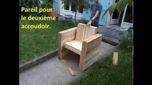 fabrication canapé palette bois facile fabriquer votre fauteuil de jardin intérieur en bois de