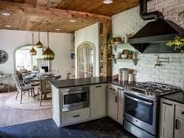Fixer Upper Homes For Sale by Episode 15 The Giraffe House Magnolia Market