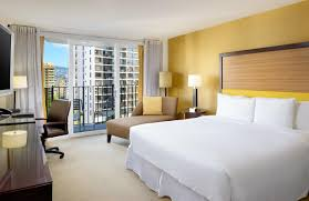 Tapa Tower 1 Bedroom Suite Hilton Waikiki Beach Hotel Honolulu Hi Booking Com
