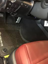 lexus drivers club isx50 anyone notice the massive hump in the drivers footwell