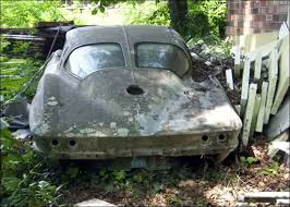 how many 63 split window corvettes were made wasting away 1963 corvette split window coupe barn finds field