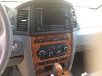 Jeep Overland Interior 2006 Jeep Grand Cherokee Interior Pictures Cargurus