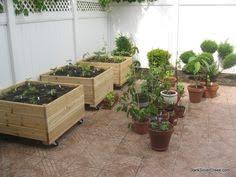 looking for good planter box designs and like this deep style