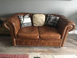 canapé chesterfield ancien chesterfield pour un canapé oui mais où l acheter