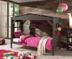 lit enfant ludique lit enfant cabane contemporain en pin massif taupe amaryllis lit