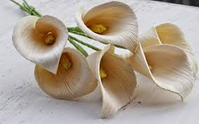 diy how to make calla lily flowers using dried corn husks