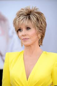 are jane fonda hairstyles wigs or her own hair jane fonda says she s not afraid to die layered short hair