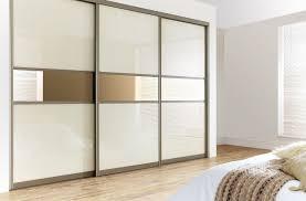 Sliding Door Bedroom Furniture Mirror Design Ideas Three Panels Mirrored Sliding Door Wardrobe