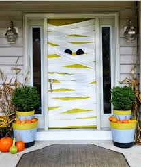 how to decorate house for halloween 20 last minute halloween decor ideas brit co