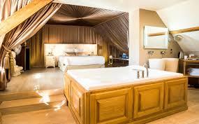 chambre avec bain a remous sejour romantique chambre idées de décoration capreol us
