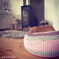 Cat Bed Pattern Free Crochet Cat Bed Patterns To Make Cat Caves Donuts Pouffes