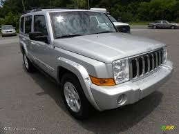 2006 bright silver metallic jeep commander limited 31256819 photo