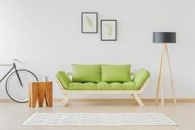 chambre d etudiant chambre d étudiant minimaliste et naturelle image stock image du