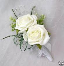 wedding flowers buttonholes wedding flowers wedding bouquets buttonholes brides 140363395129