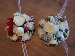 crowning floral spray 27 best flowers to wear flower crowns corsages buttonholes